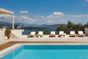 Luxury Villa with Heated Pool and Seaview on Corfu